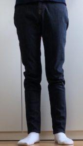 ZOZOパターンオーダーデニムを履いた写真